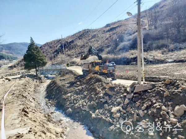 210406 수해지역 하천시설 복구진행 모습3.jpg